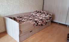 Кровать с планкой