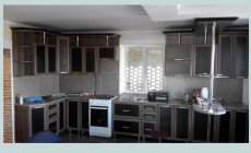 Кухня угловая фасады рамочные